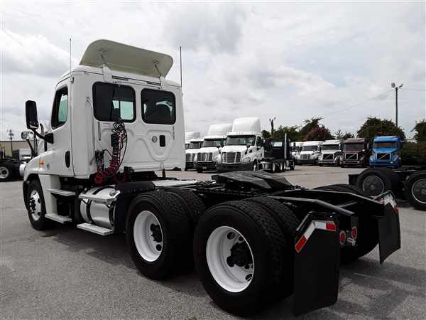 2014 Freightliner Truck 6x4, Tractor #541080 - photo 1