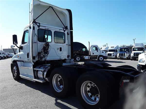 2016 Freightliner Truck 6x4, Tractor #660862 - photo 1
