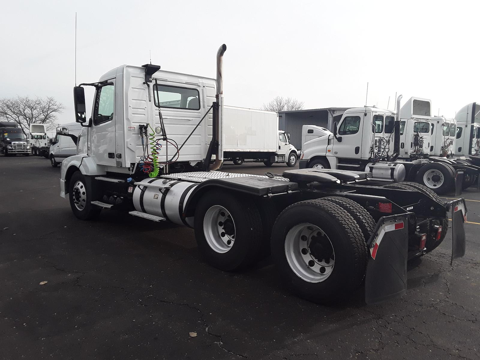 2015 Volvo VNL 6x4, Tractor #308961 - photo 1