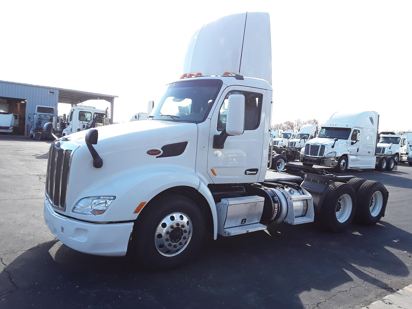 2015 Peterbilt 579 6x4, Tractor #347127 - photo 1
