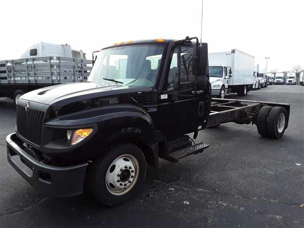 2013 International Truck 4x2, Cab Chassis #513344 - photo 1