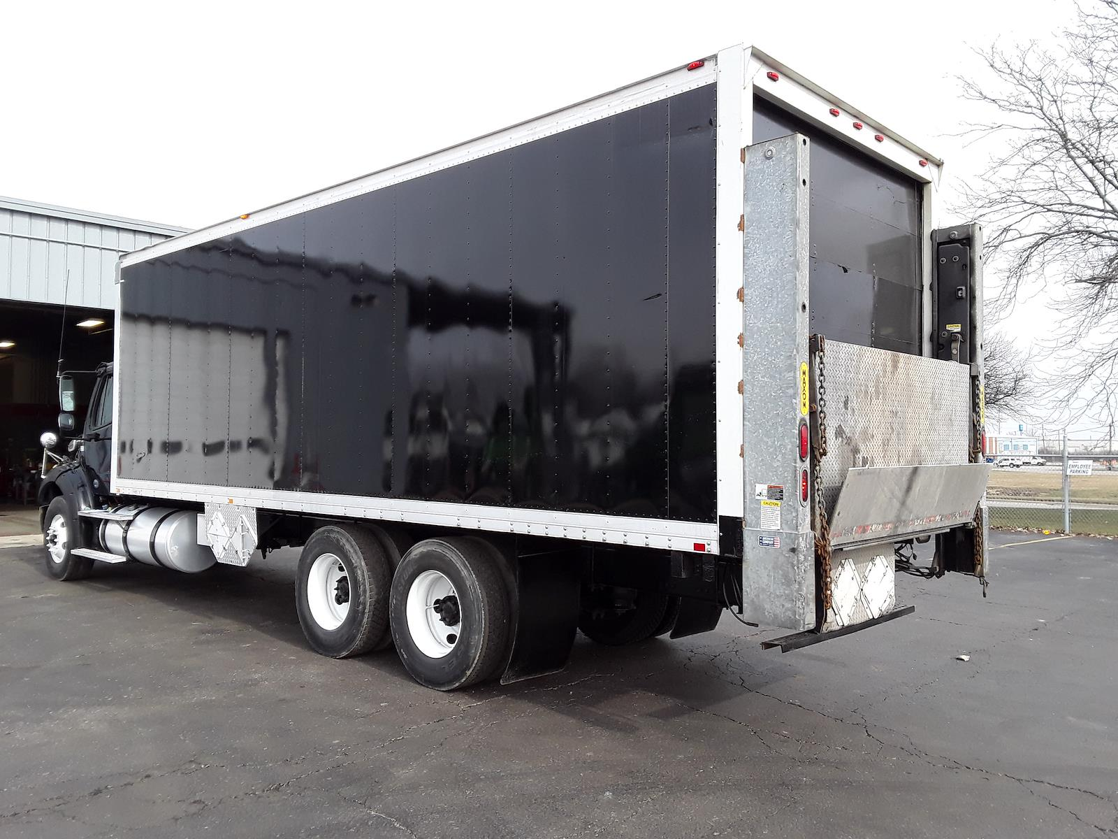 2015 Freightliner Truck 6x4, Dry Freight #555479 - photo 1