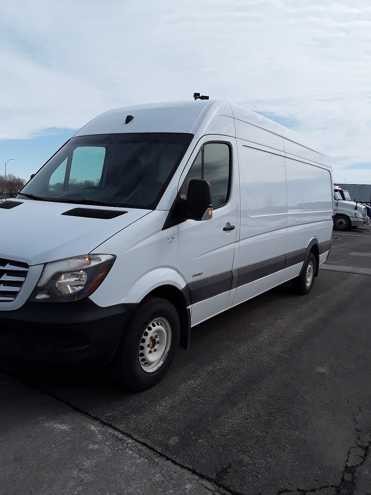 2015 Freightliner Sprinter 2500, Empty Cargo Van #399263 - photo 1