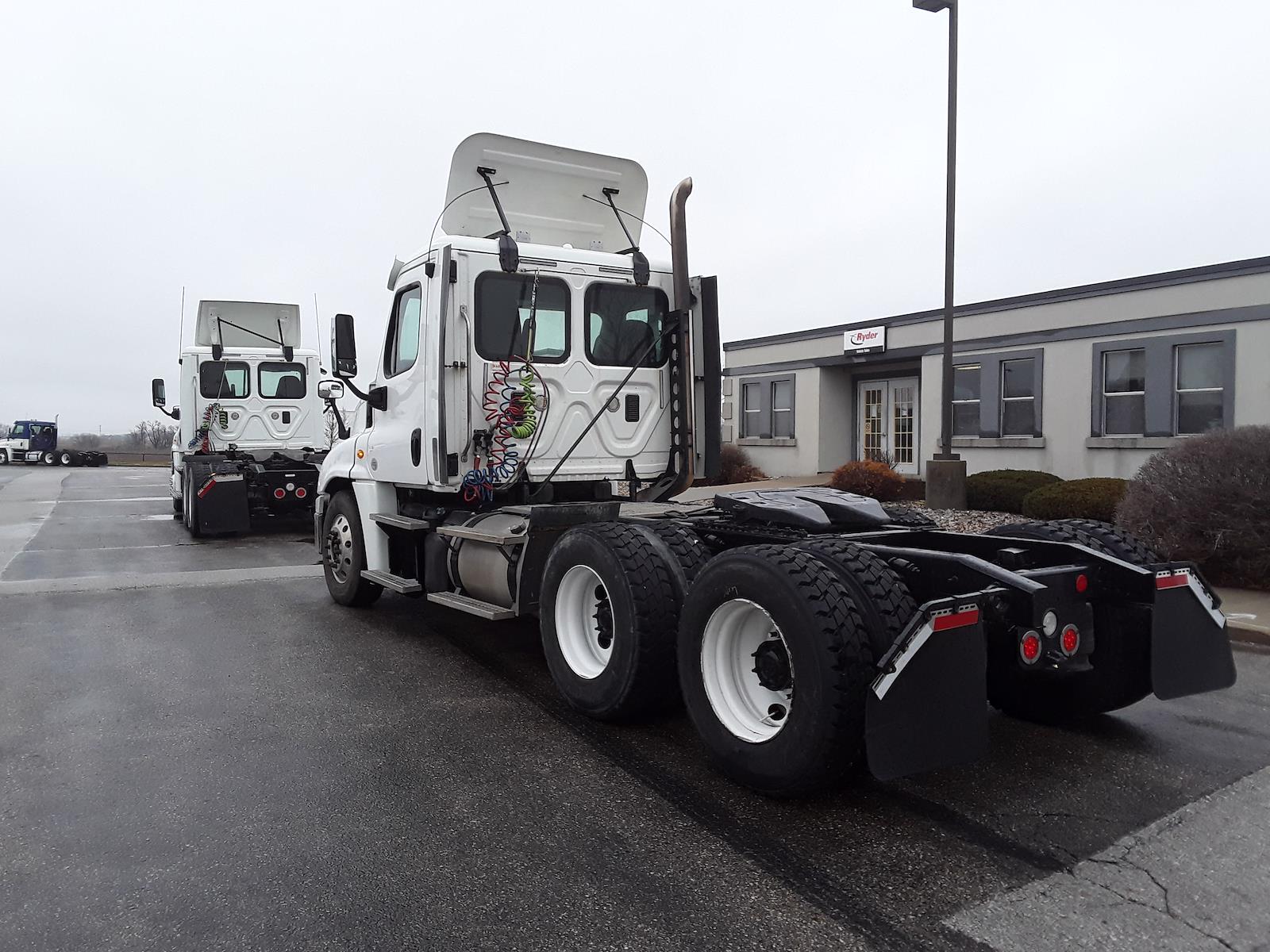 2013 Freightliner Truck 6x4, Tractor #492959 - photo 1