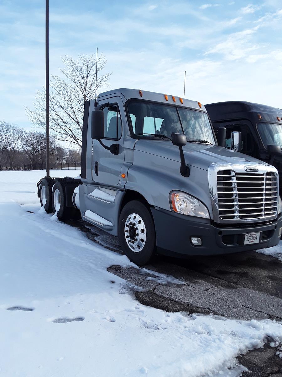2014 Freightliner Truck 6x4, Tractor #536819 - photo 1