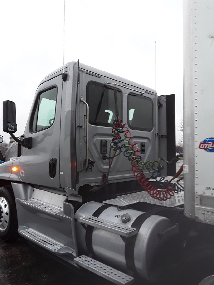 2014 Freightliner Truck 6x4, Tractor #536821 - photo 1