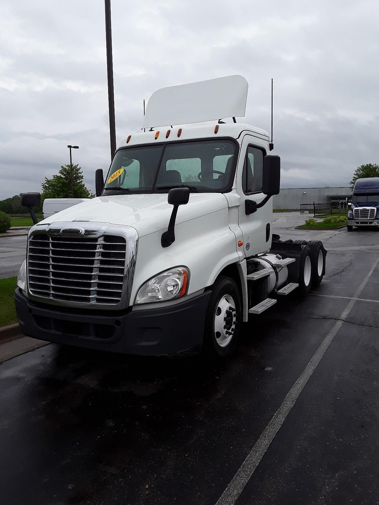 2015 Freightliner Truck 6x4, Tractor #563397 - photo 1