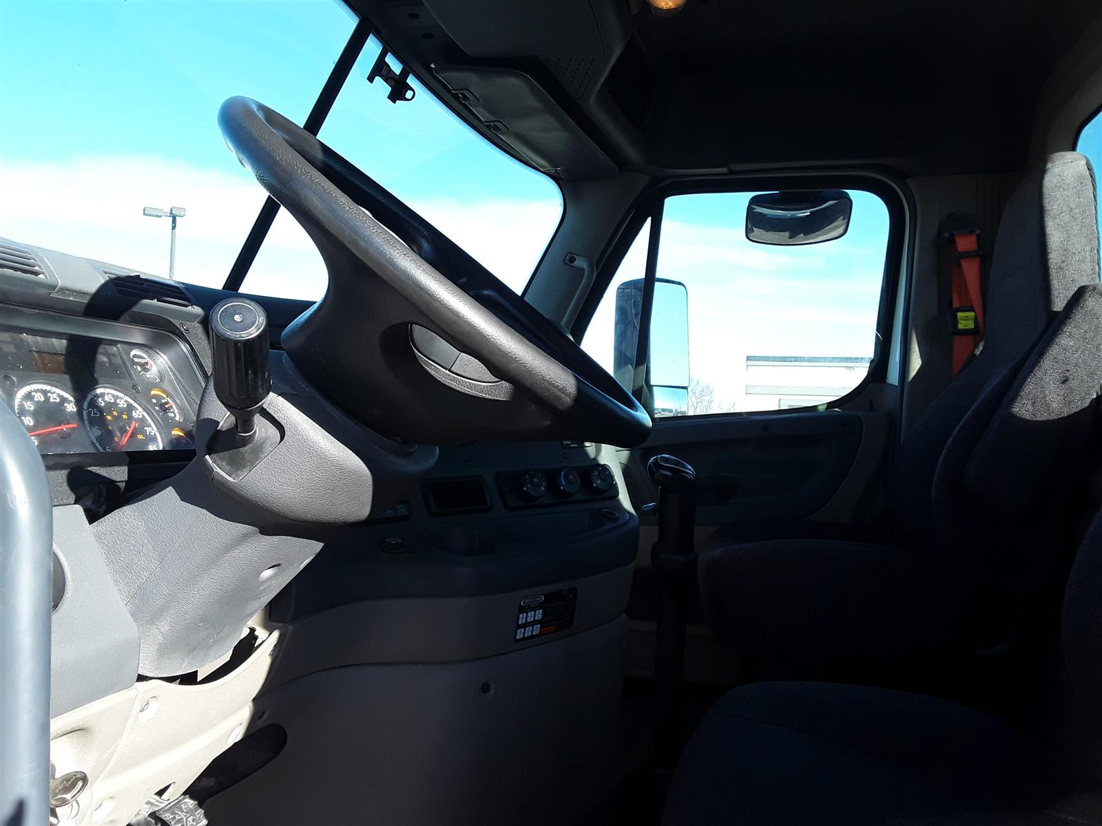 2016 Freightliner Cascadia 6x4, Tractor #656330 - photo 1