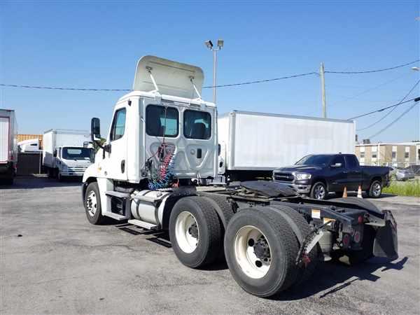 2014 Freightliner Truck 6x4, Tractor #304758 - photo 1