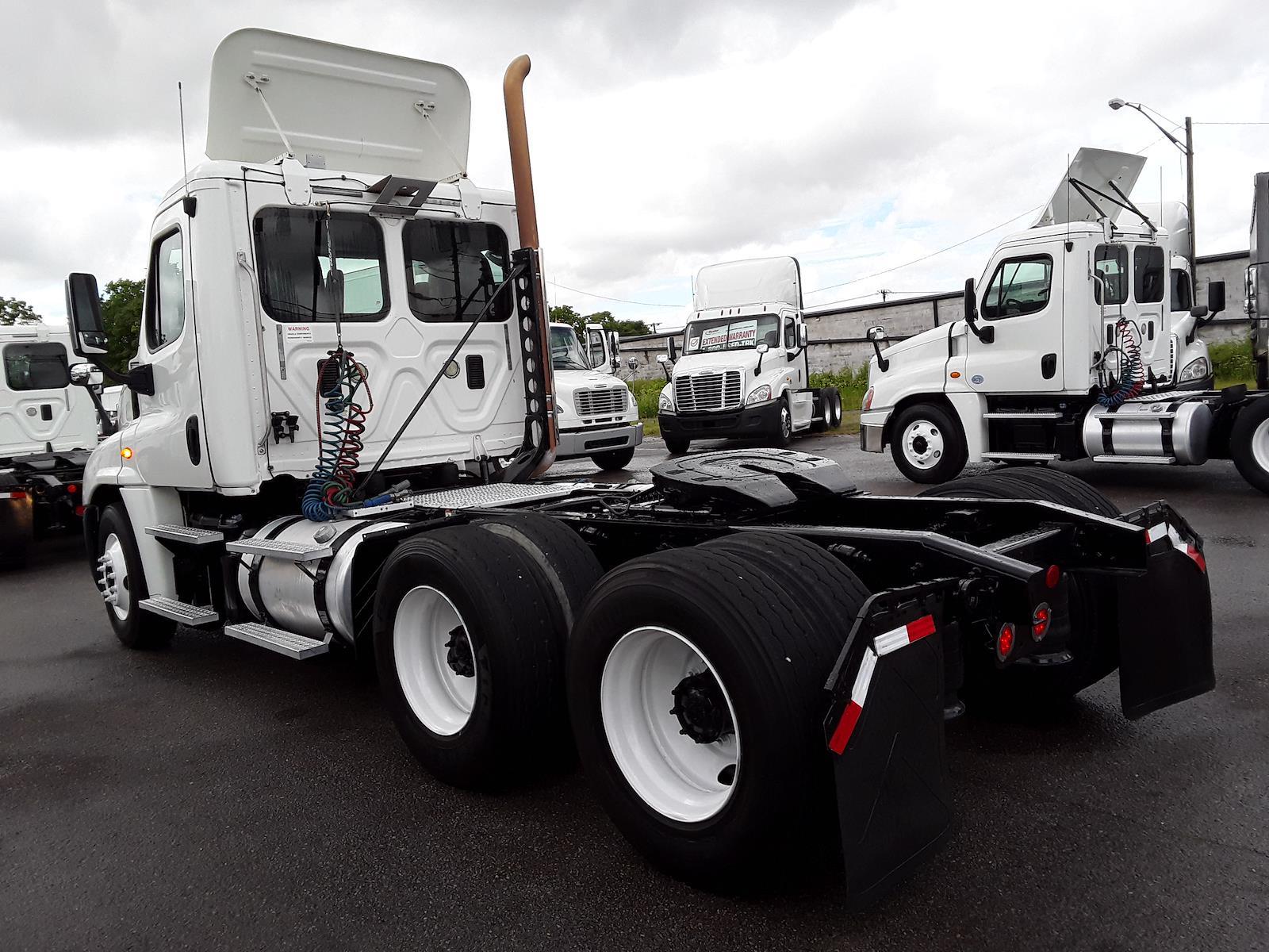 2013 Freightliner Truck 6x4, Tractor #485582 - photo 1