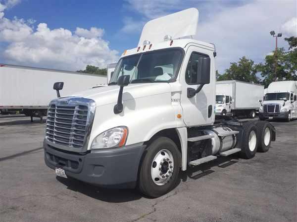 2014 Freightliner Truck 6x4, Tractor #536677 - photo 1
