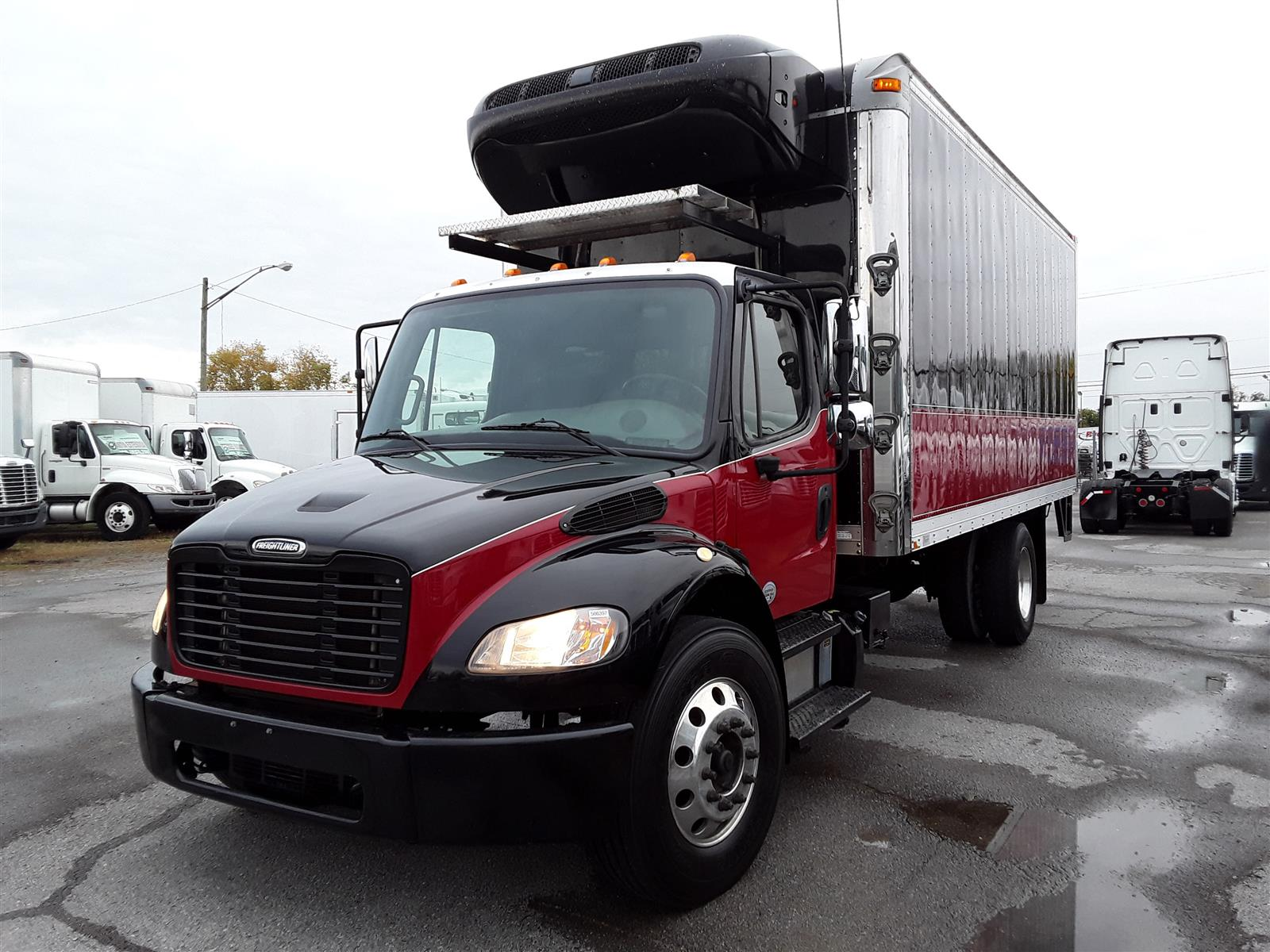 2015 Freightliner M2 106 4x2, Refrigerated Body #566397 - photo 1