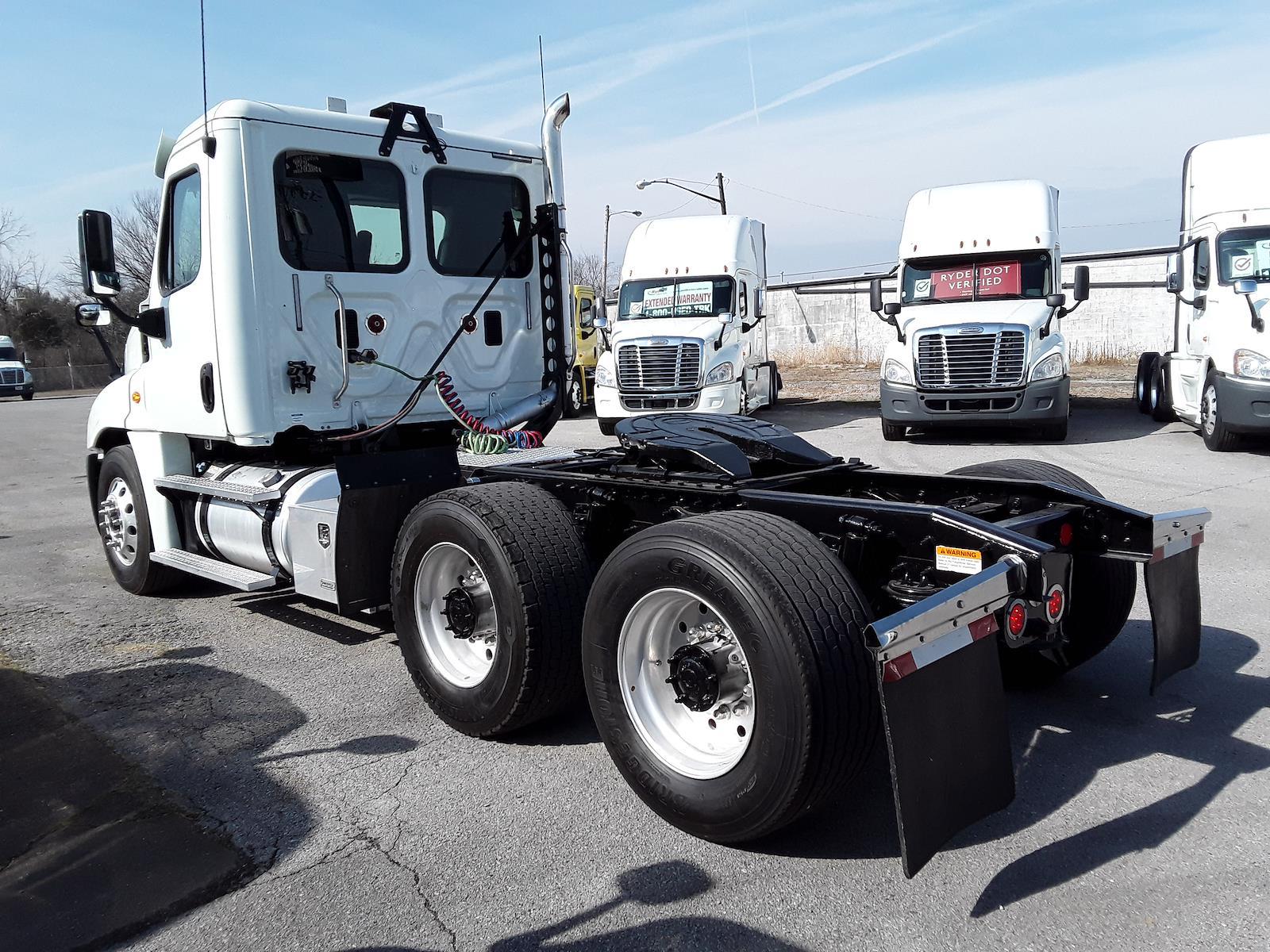 2016 Freightliner Truck 6x4, Tractor #649802 - photo 1