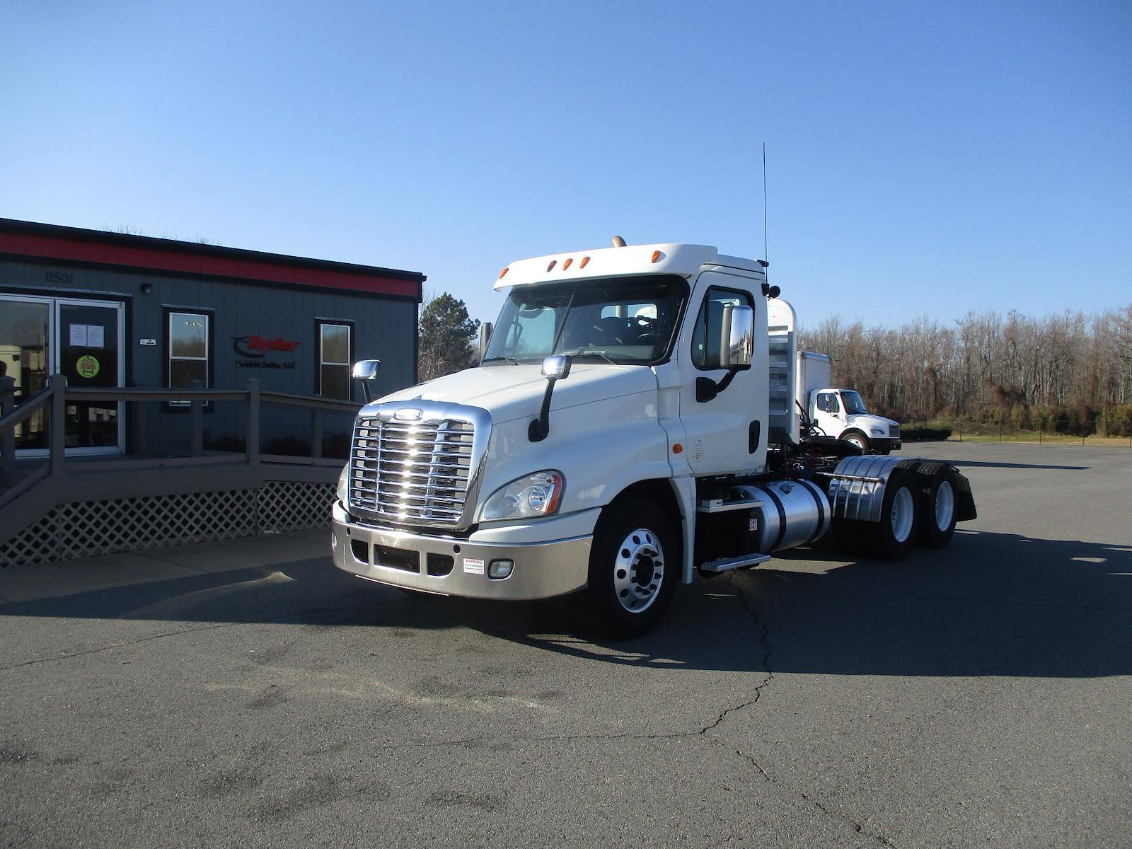 2014 Freightliner Truck 6x4, Tractor #545594 - photo 1