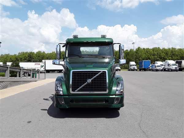 2015 Volvo VNL 6x4, Tractor #642525 - photo 1