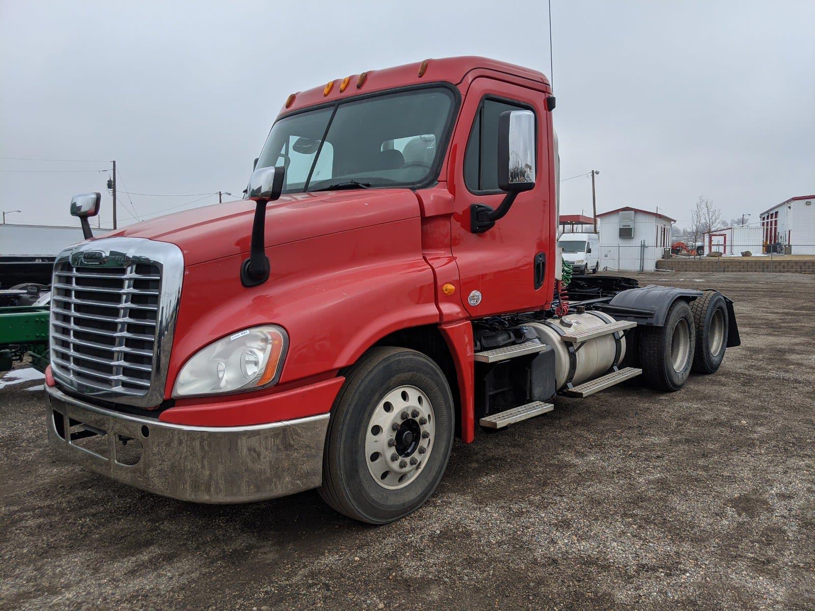 2014 Freightliner Truck 6x4, Tractor #533399 - photo 1