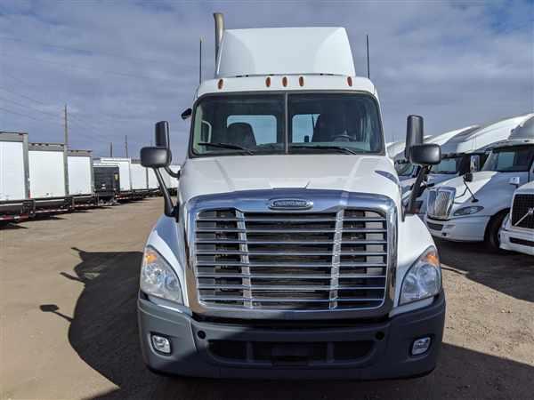 2016 Freightliner Truck 6x4, Tractor #650531 - photo 1