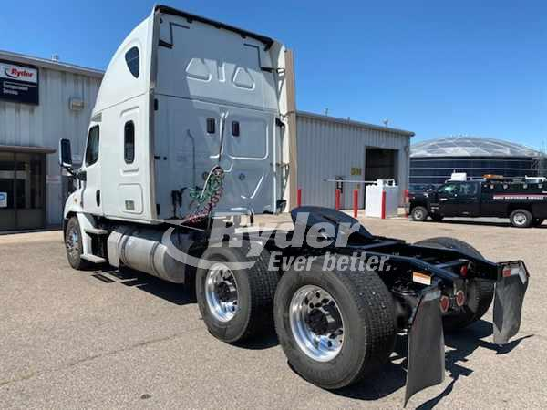 2016 Freightliner Cascadia 6x4, Tractor #653031 - photo 1