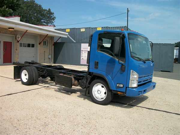 2013 Isuzu NQR 4x2, Cab Chassis #485163 - photo 1