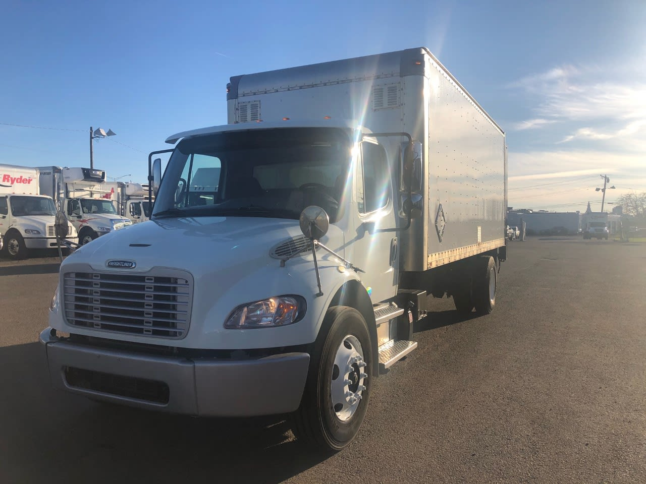2014 Freightliner M2 106 4x2, Dry Freight #525754 - photo 1