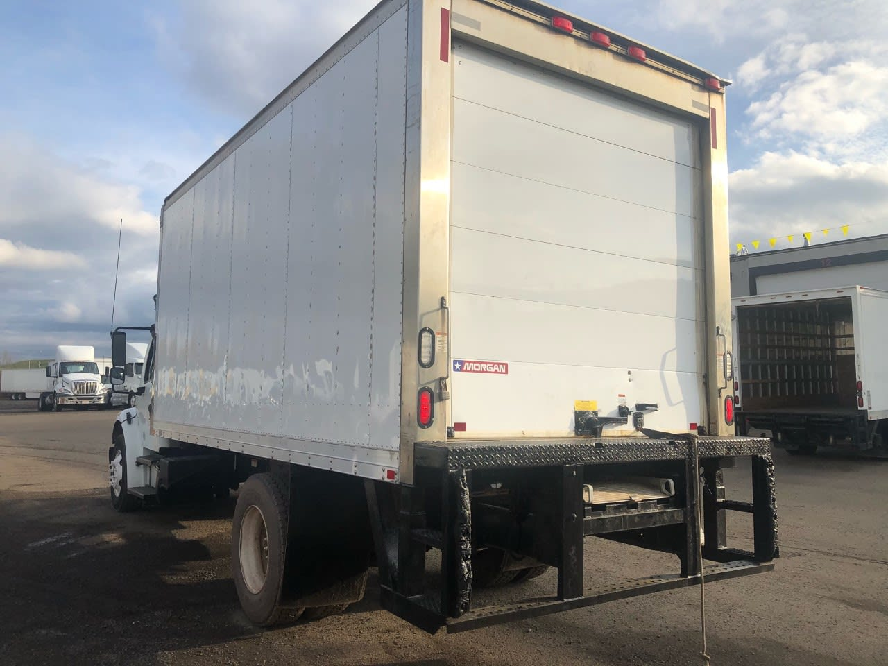 2014 Freightliner Truck 4x2, Refrigerated Body #557003 - photo 1