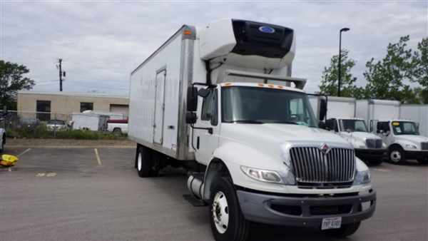 2015 International DuraStar 4300, Refrigerated Body #640018 - photo 1