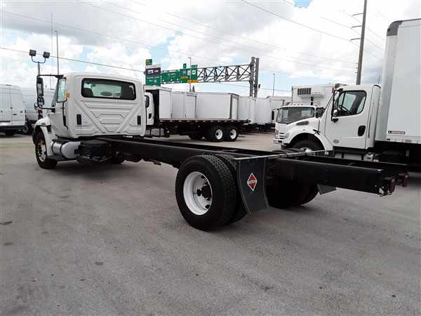 2012 International Truck 4x2, Cab Chassis #424956 - photo 1