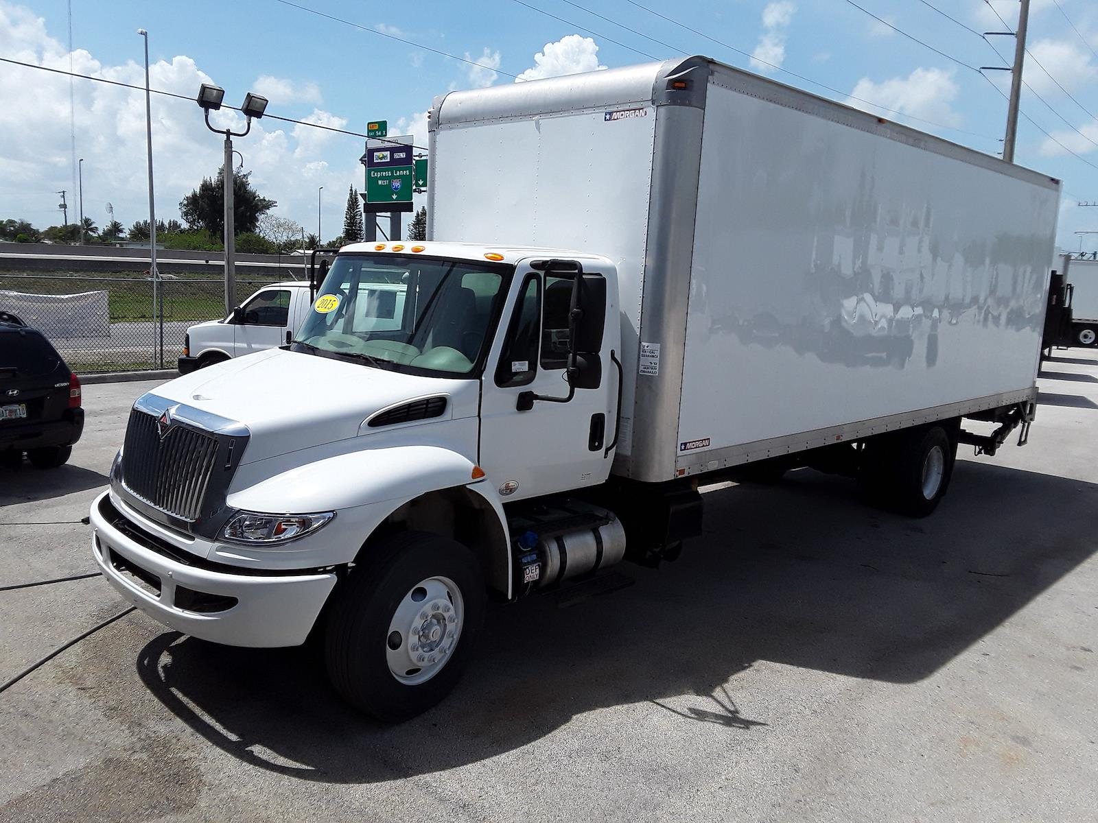 2015 International DuraStar 4300 4x2, Dry Freight #641251 - photo 1