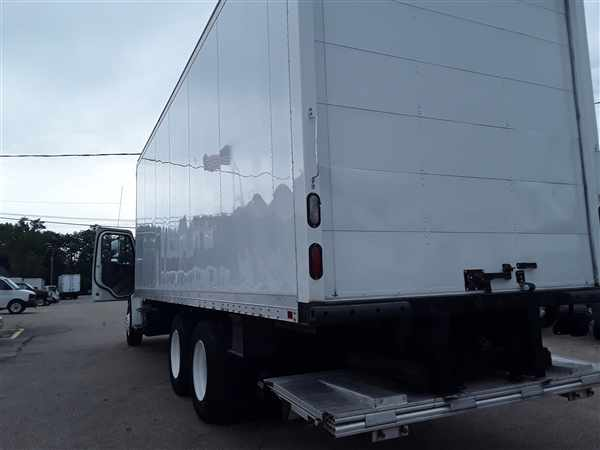 2014 Freightliner M2 106 6x4, Dry Freight #548556 - photo 1