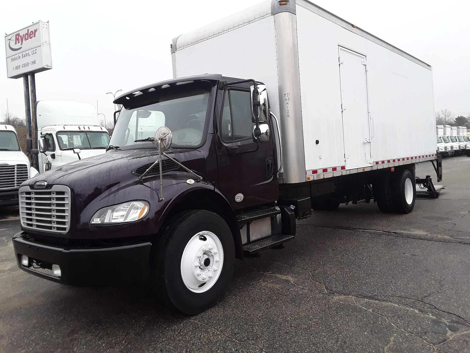 2015 Freightliner M2 106 4x2, Dry Freight #574543 - photo 1