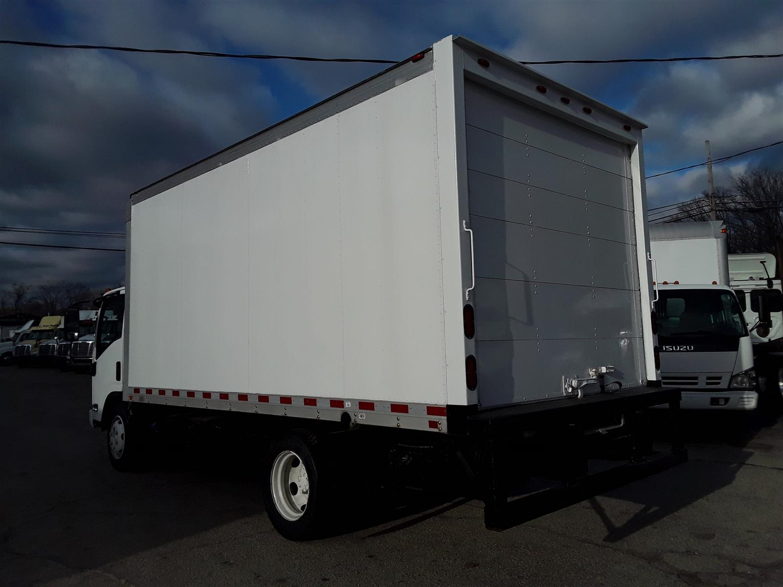 2015 Isuzu NQR Regular Cab 4x2, Dry Freight #648940 - photo 1