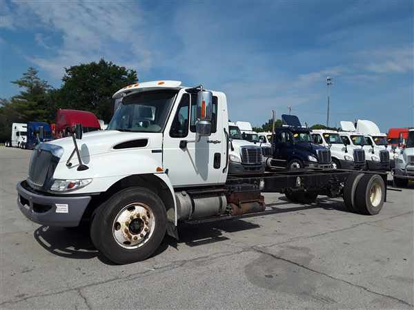 2013 International Truck 4x2, Cab Chassis #512900 - photo 1