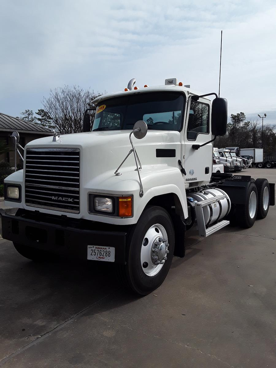 2015 Mack CHU613, Tractor #322476 - photo 1