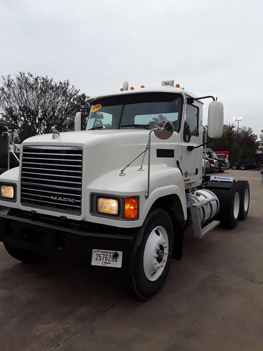 2015 Mack CHU613, Tractor #327825 - photo 1