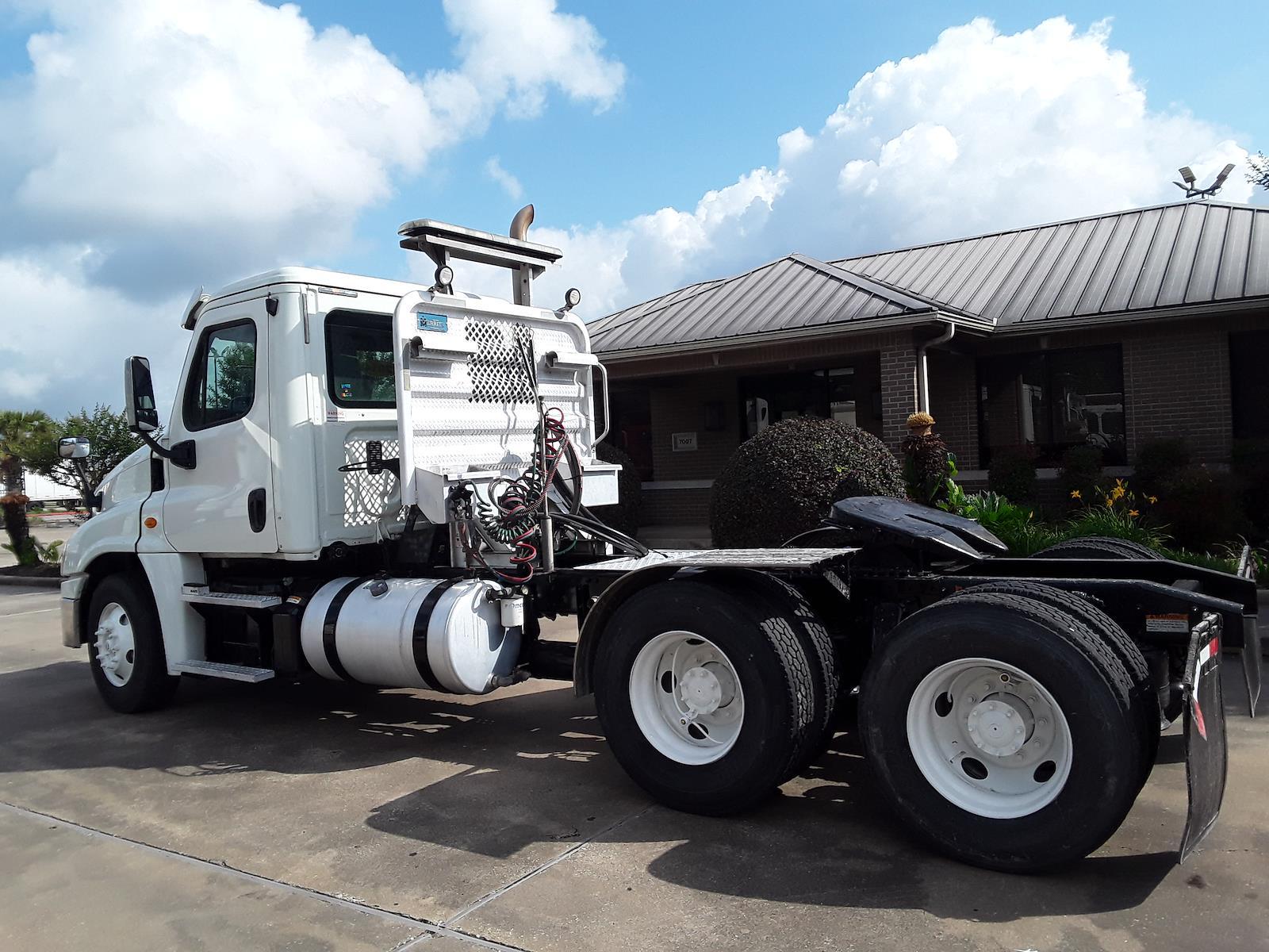 2014 Freightliner Truck 6x4, Tractor #542071 - photo 1