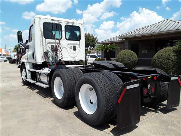 2014 Freightliner Truck 6x4, Tractor #564925 - photo 1