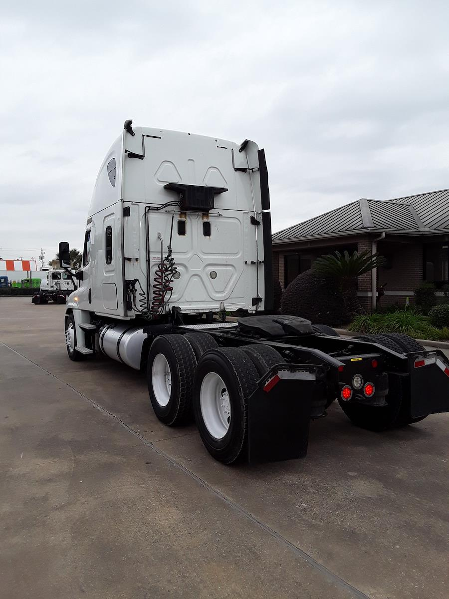 2015 Freightliner Truck 6x4, Tractor #639979 - photo 1