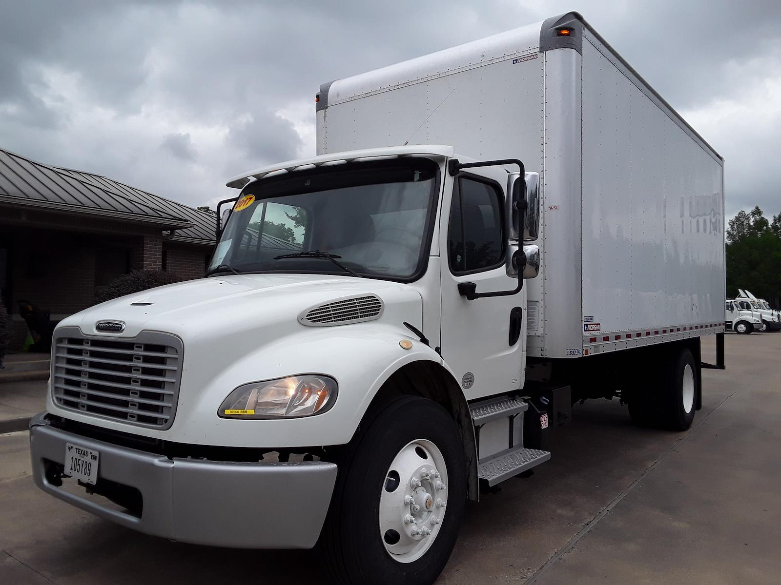 2017 Freightliner M2 106 4x2, Dry Freight #664433 - photo 1