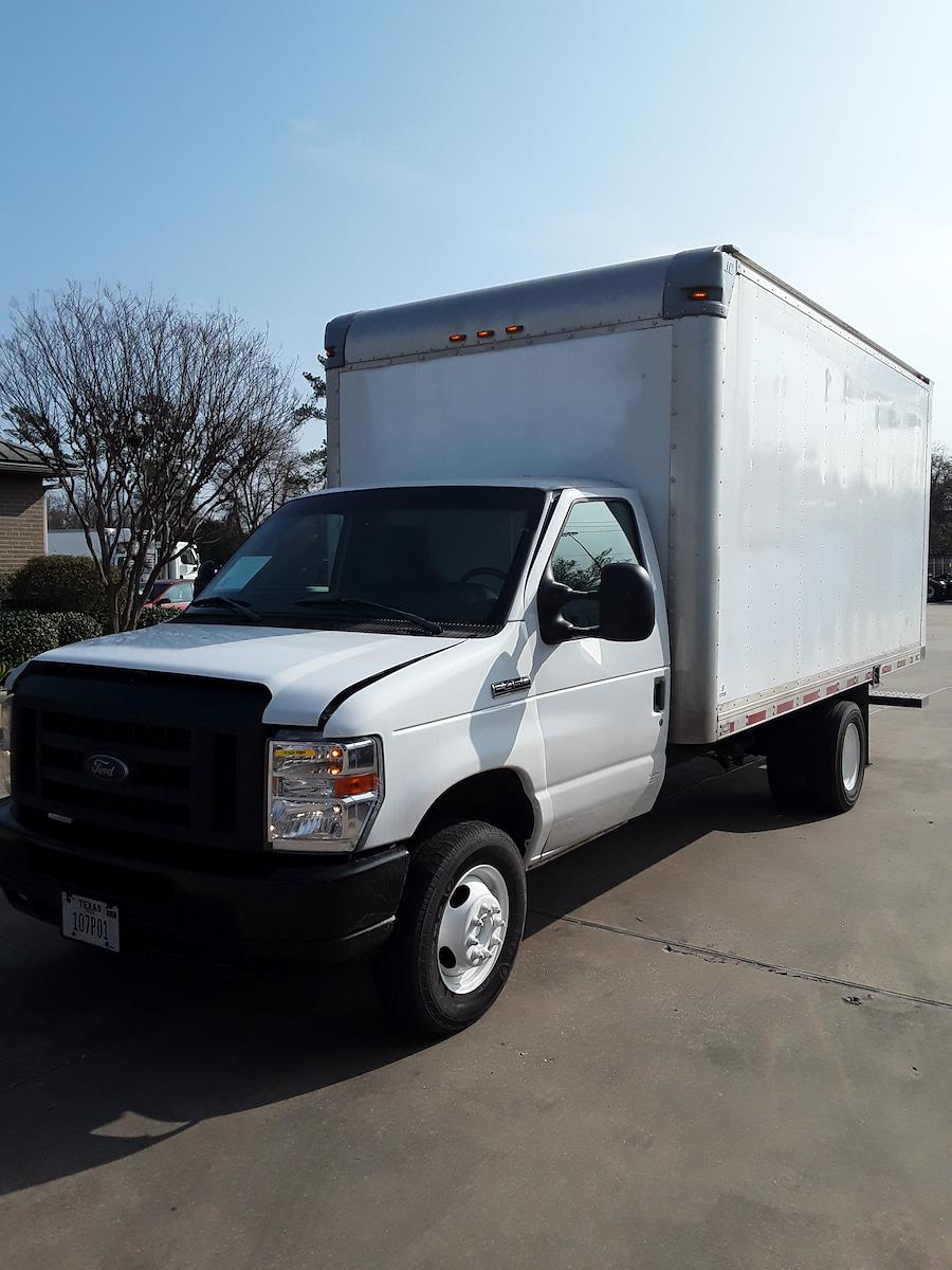 2018 Ford E-450 4x2, Dry Freight #781600 - photo 1