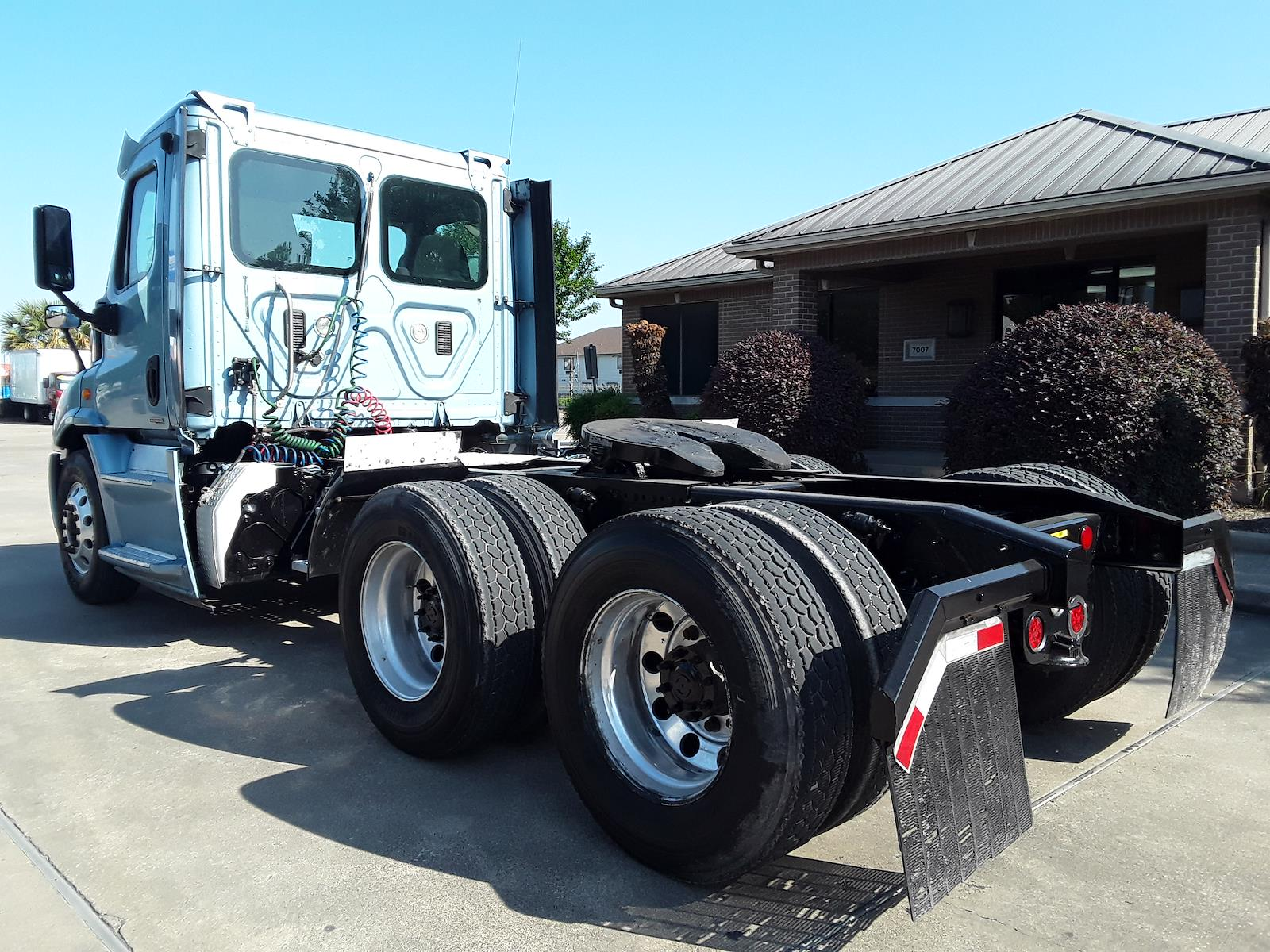 2016 Freightliner Cascadia 6x4, Tractor #658519 - photo 1