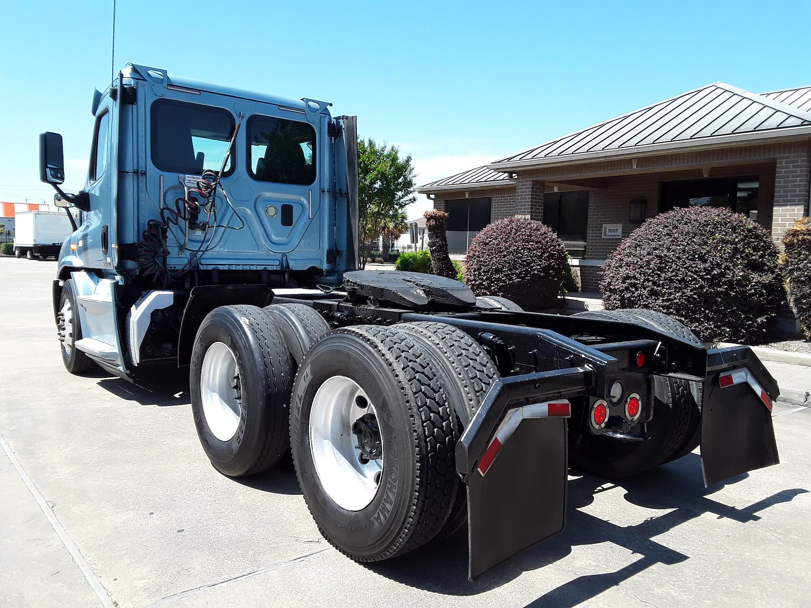 2016 Freightliner Cascadia 6x4, Tractor #658555 - photo 1
