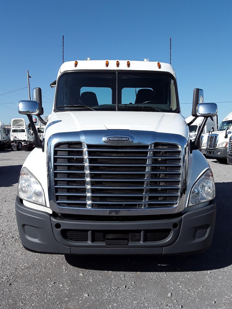 2016 Freightliner Cascadia 4x2, Tractor #354500 - photo 1