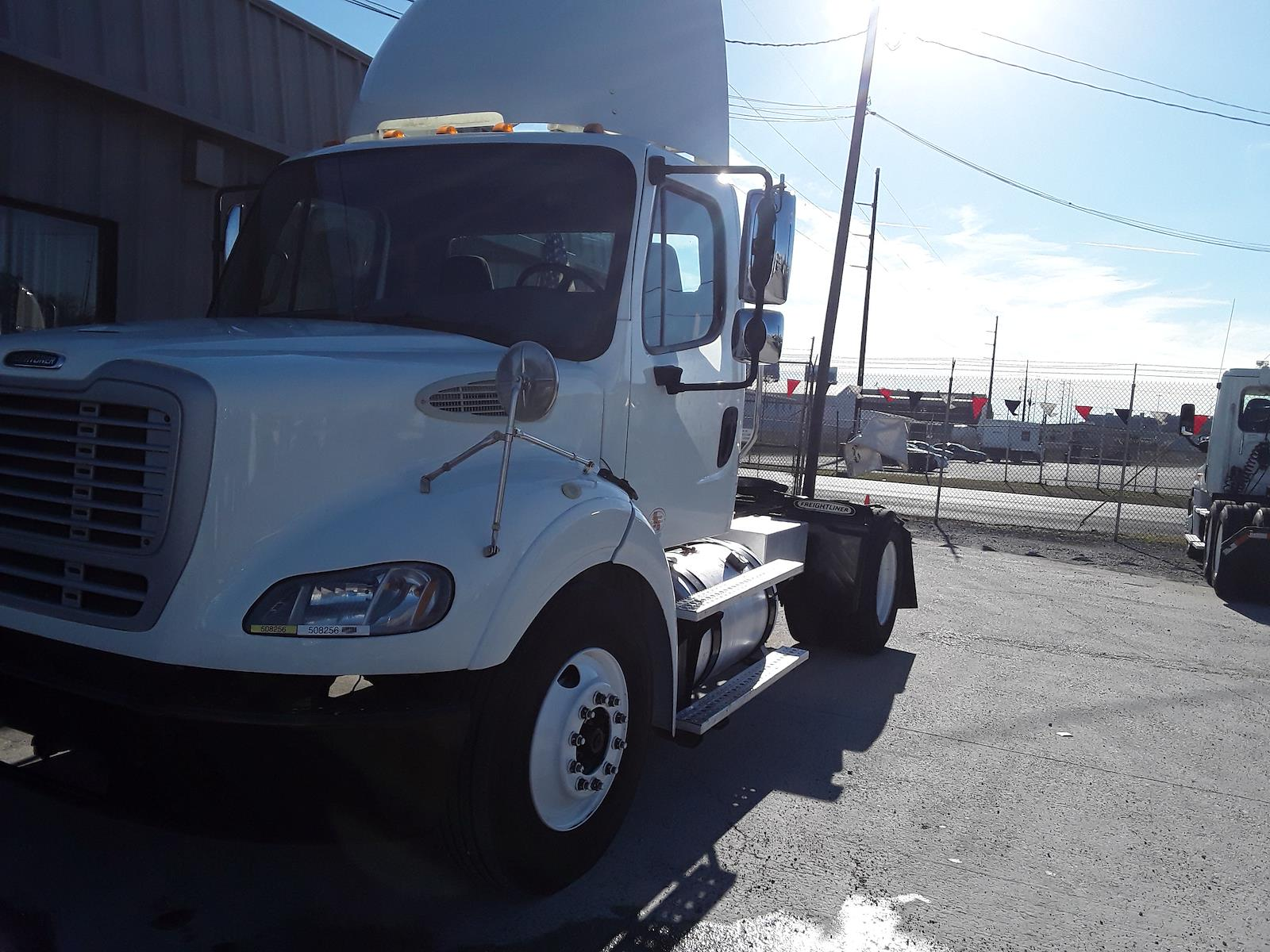 2013 Freightliner Truck 4x2, Tractor #508256 - photo 1