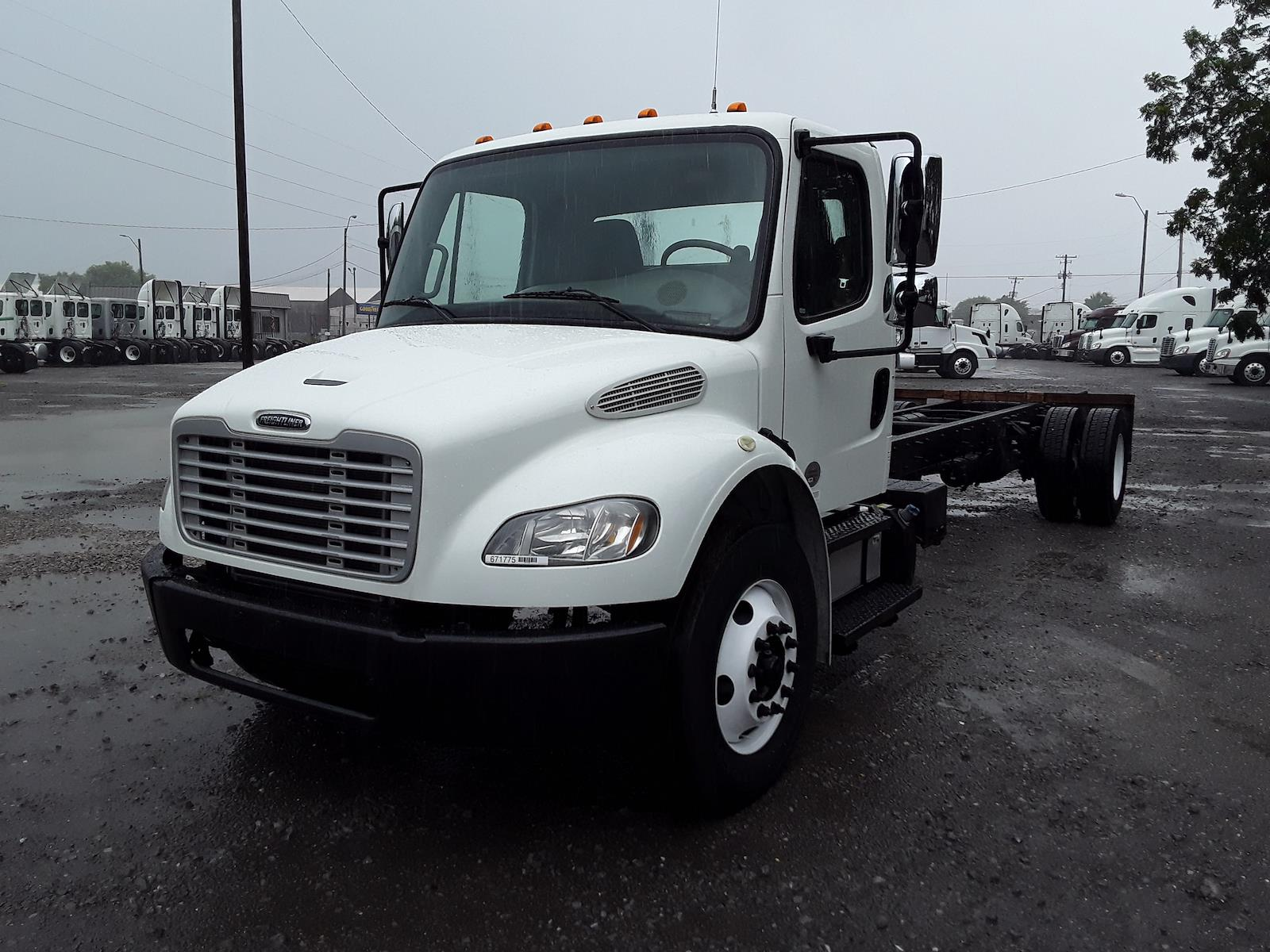 2017 Freightliner M2 106 4x2, Cab Chassis #671775 - photo 1