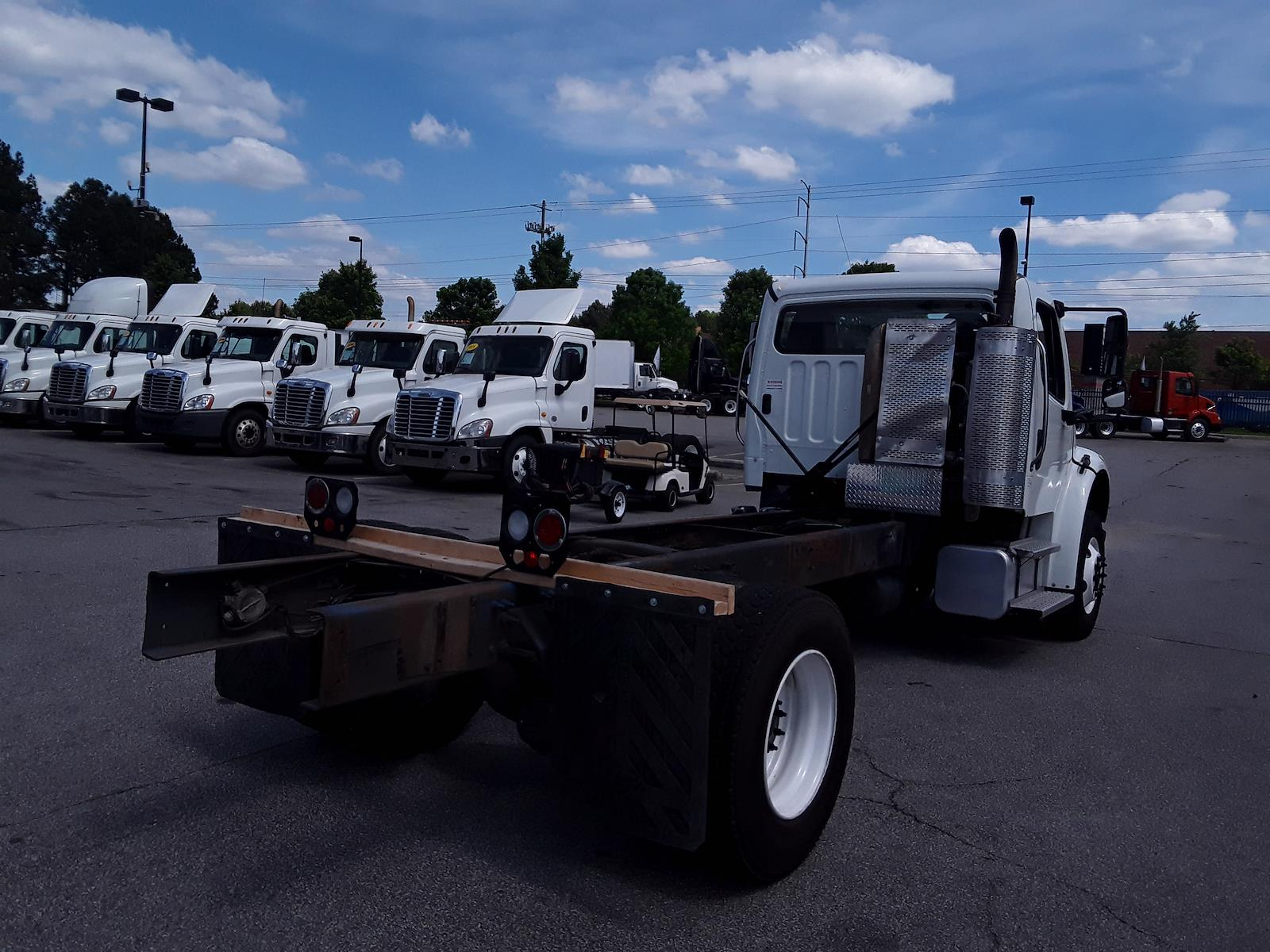 2015 Freightliner M2 106 4x2, Cab Chassis #318951 - photo 1