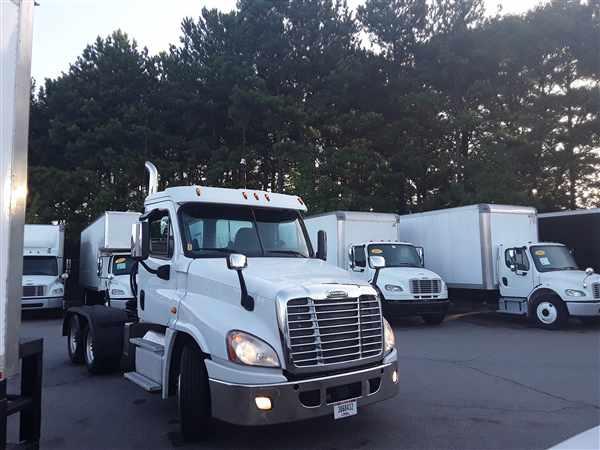 2016 Freightliner Truck 6x4, Tractor #372355 - photo 1