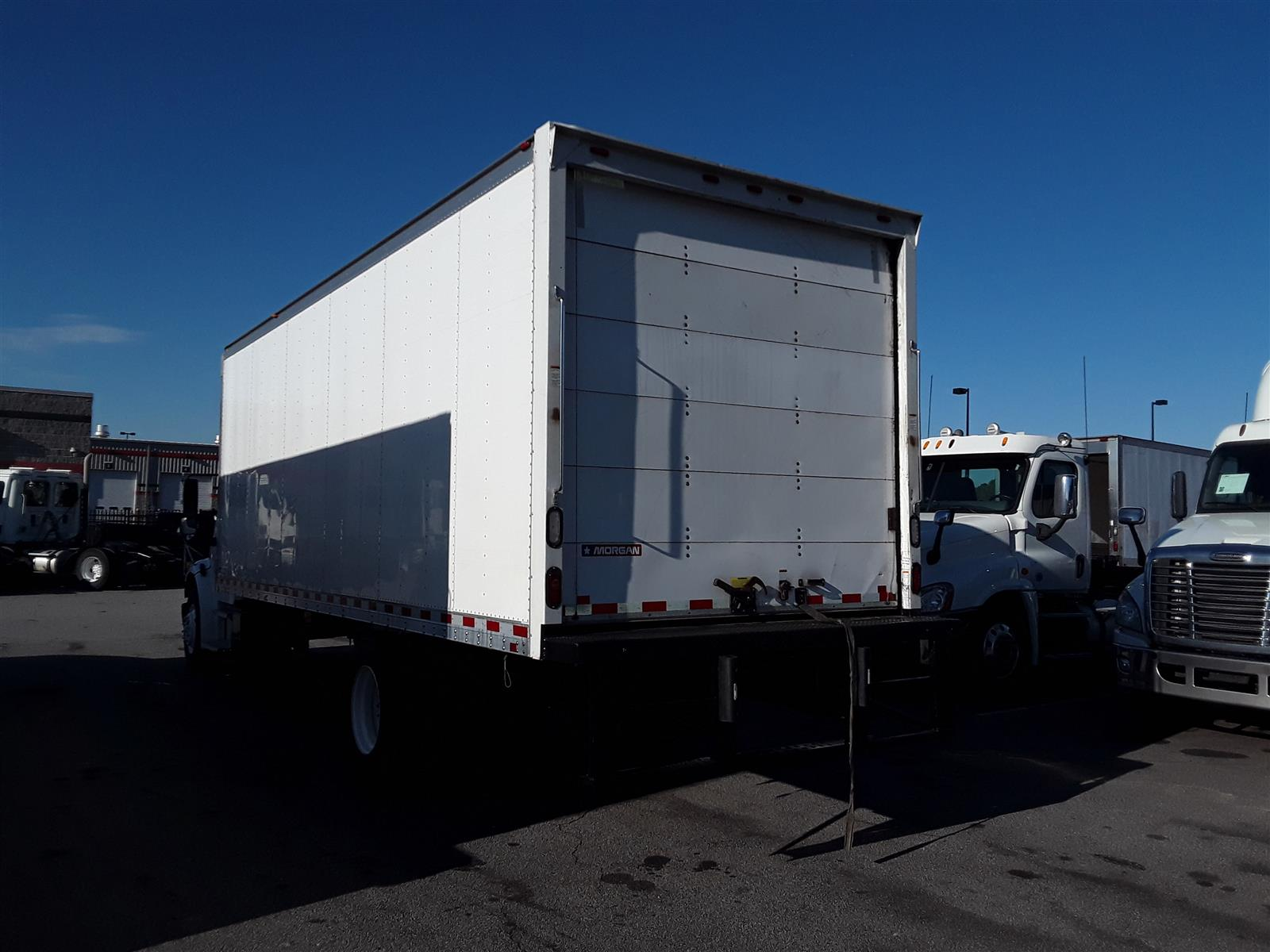 2016 Freightliner M2 106 4x2, Dry Freight #372860 - photo 1