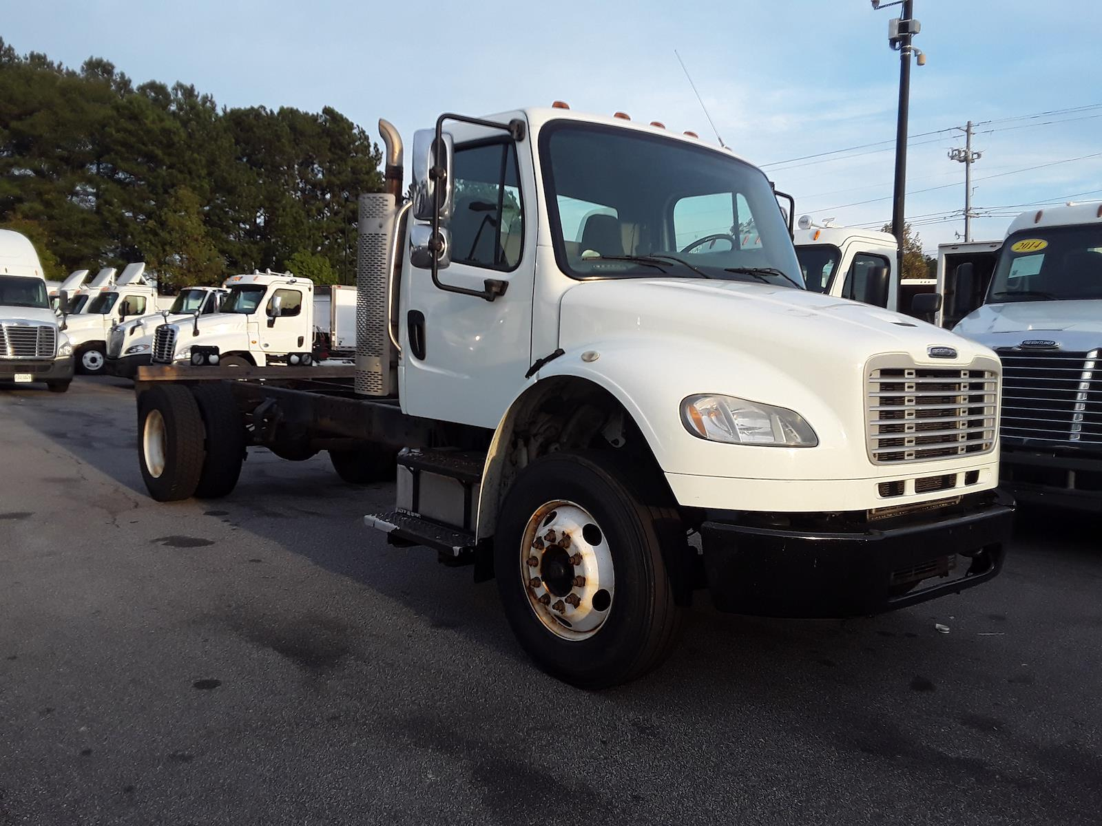 2013 Freightliner M2 106 4x2, Cab Chassis #506355 - photo 1