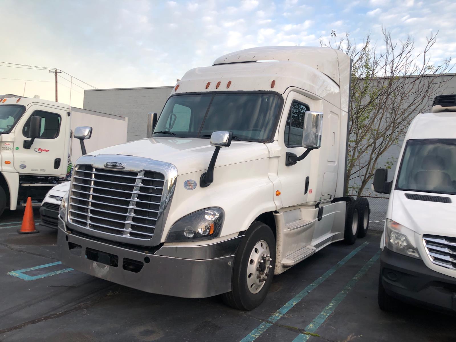 2016 Freightliner Truck 6x4, Tractor #517849 - photo 1