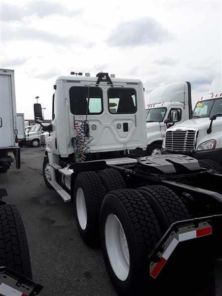 2014 Freightliner Truck 6x4, Tractor #526266 - photo 1